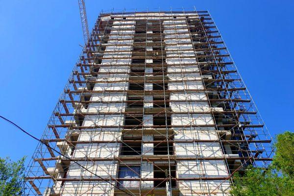 Завершение монтажа строительных лесов ЖД